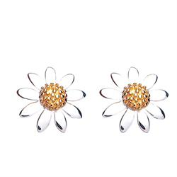 Vintage 8mm Daisy Studs