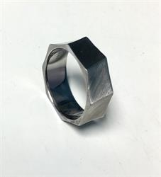 Geometric Ring Size 67