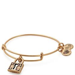 Unbreakable Love Bangle in Rafaelian Gold